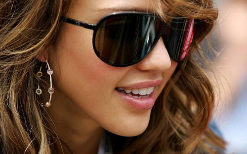 ویژگی های یک عینک آفتابی مناسب چیست؟