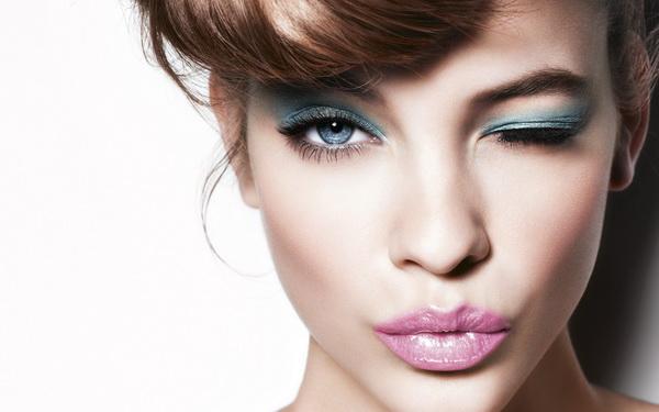 ۵ تکنیک اصلاحی آرایشی که همیشه اشتباه انجام می دادید