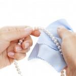 سه روش کاربردی برای تمیز کردن طلا و جواهرات
