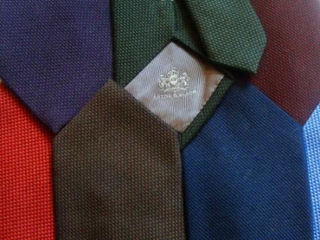 سه گام تا انتخاب طرح، رنگ و ضخامت کراوات