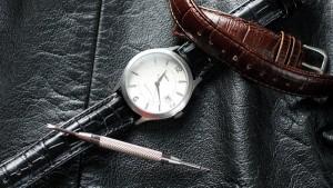 چگونه بند ساعت مچی را عوض کنیم؟