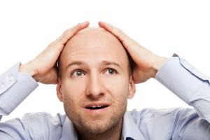 ۹ فاکتور موثر در ریزش موی سر در آقایان
