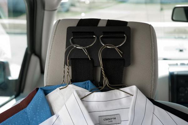 چوب لباسی مناسب در اتومبیل داشته باشید