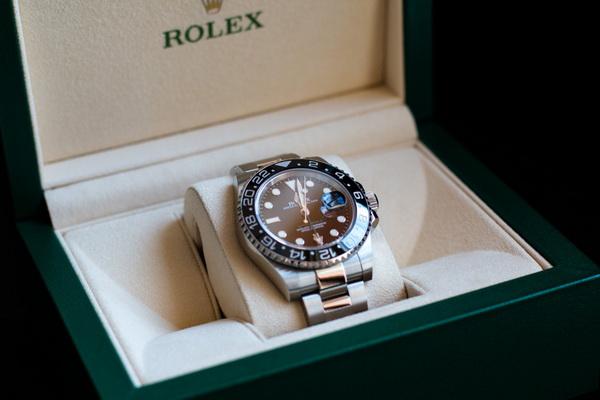 آیا این ساعت مچی رولکس اصل است و یا تقلبی؟