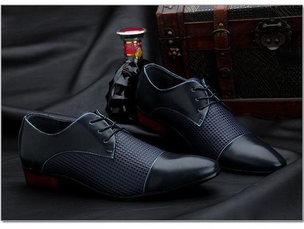 افراد خوشتیپ به تمیزی لباس و کفش خود نیز توجه می کنند
