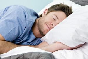 درمان بی خوابی با پوشیدن لباس های سبک و نرم