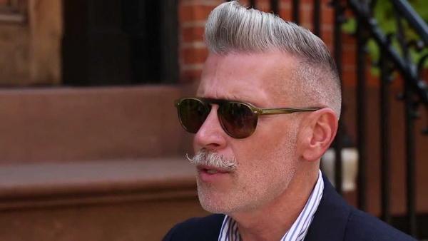 علل خاکستری شدن مو آقایان