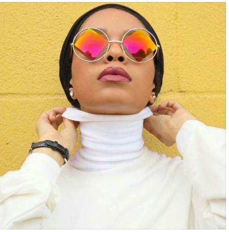 چگونه عینک های آفتابی را با روسری یا شال استفاده کنیم