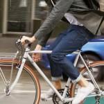پوشاک و اکسسوری مورد نیاز برای کسانی که با دوچرخه به محل کار می روند