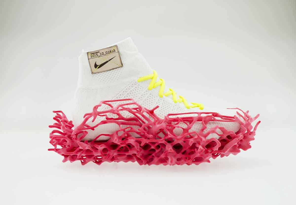 this-3d-printed-outsole-was-based-on-a-pressure-map-of-the-foot-and-flexes-when-the-shoe-hits-the-ground