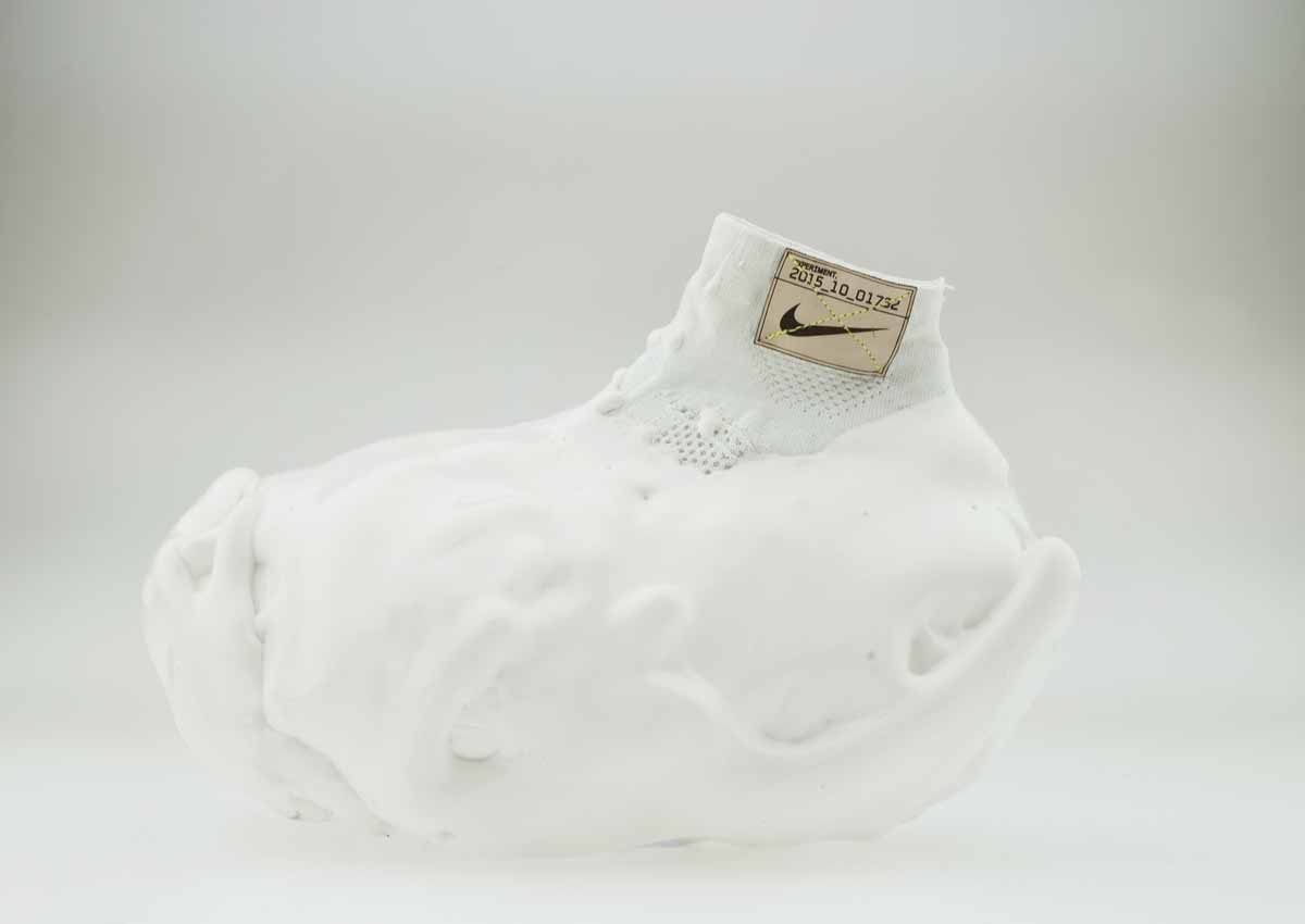 this-shoe-was-dipped-in-many-layers-of-pu-foam-which-will-never-fully-compress-no-matter-how-hard-the-athlete-runs-it-eliminates-the-feel-of-the-impact-of-the-foot-on-the-ground