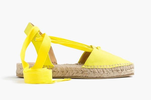 5 مدل کفش زنانه ی نوستالژیک تخت، در زمان حال