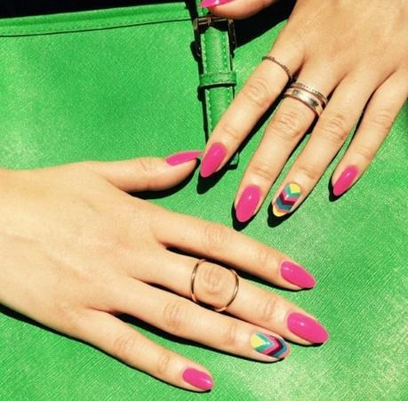 """مانیکور """" رنگین کمان """" پر طرفدارترین مدل بهار و تابستان"""