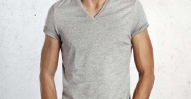 عضلانی نشان دادن بازو با لباس پوشیدن بهتر!