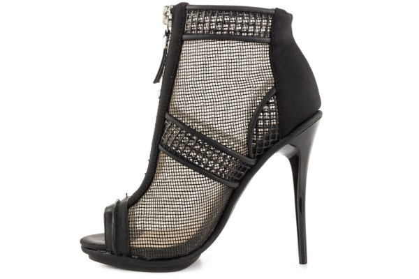 برندهای معتبر کفش با قیمت پایین