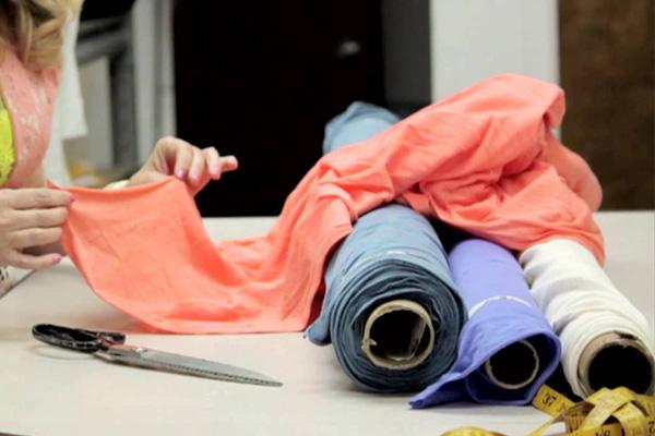 6 نوع پارچه ای که در تابستان نباید بپوشید