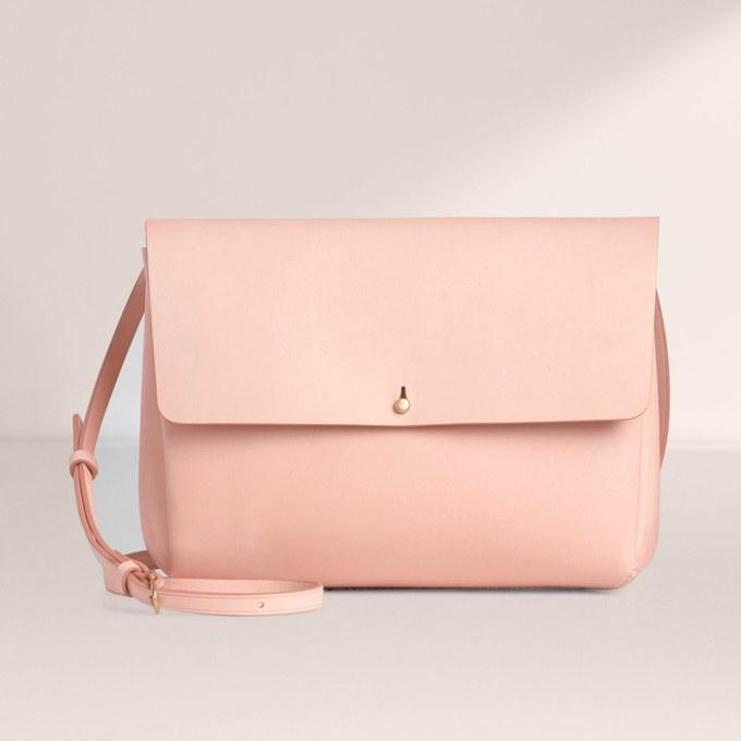 کیف دستی های زنانه کوچک اما کاربردی