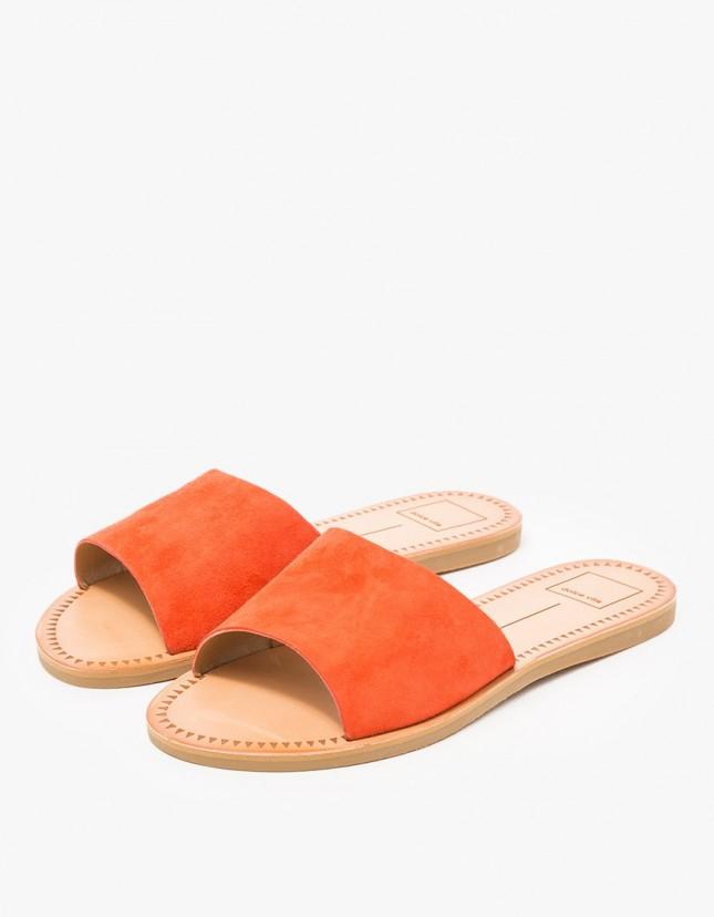 18 کفش و صندل تابستانه که حتما باید امتحان کنید