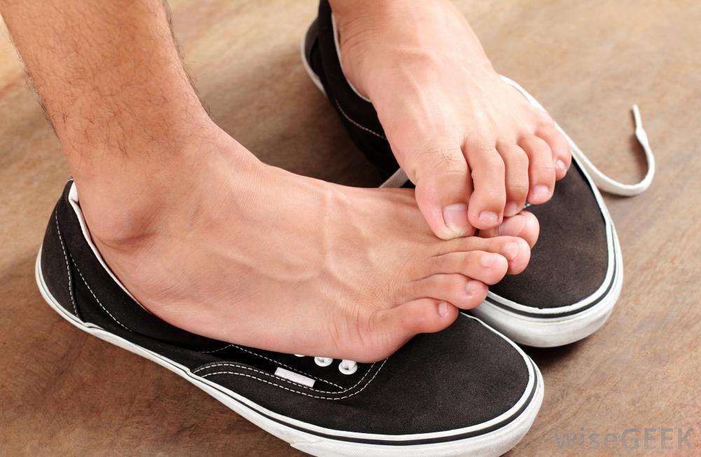 از بین بردن بوی پا با یک راه حل ساده