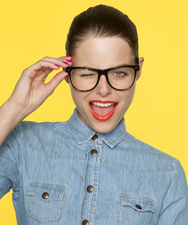 آرایش مناسب با عینک طبی
