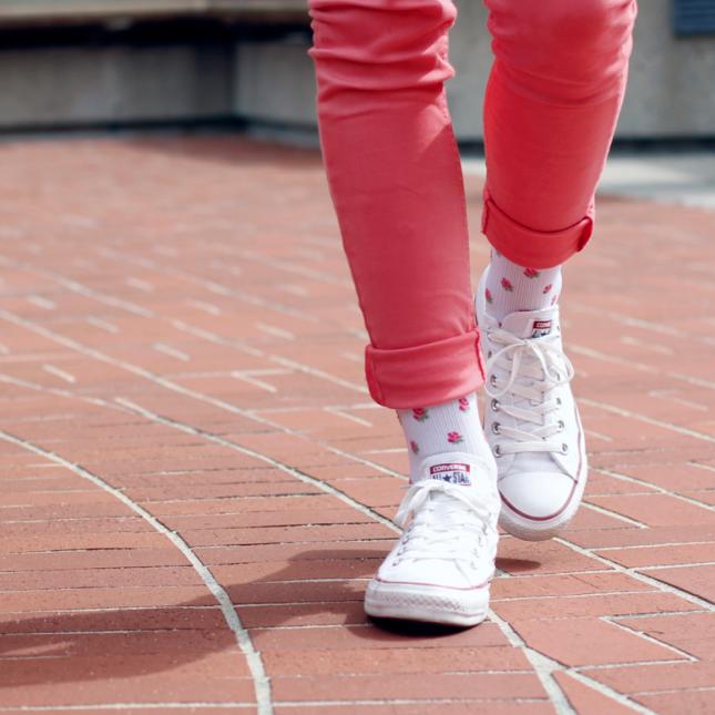 تیپ تابستانه زنانه با رنگ هایی شاد
