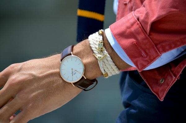 دستبند مردانه نخی