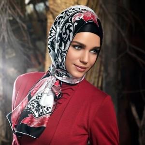 چگونه مانتو و روسری را با هم ست کنم؟