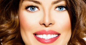 سفید کردن دندان ها با استفاده از توت فرنگی و موز