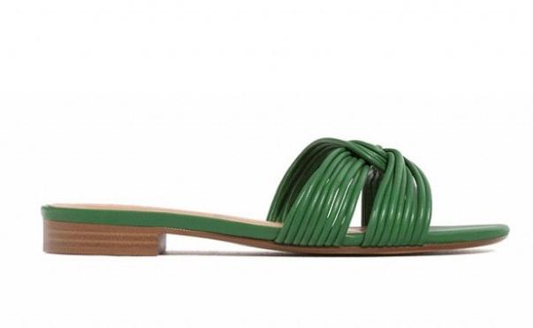 خانم ها: برای مسافرت چه کفشی بپوشم؟