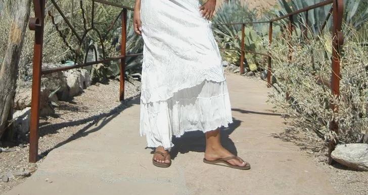 نکات پوشیدن لباس مجلسی سفید
