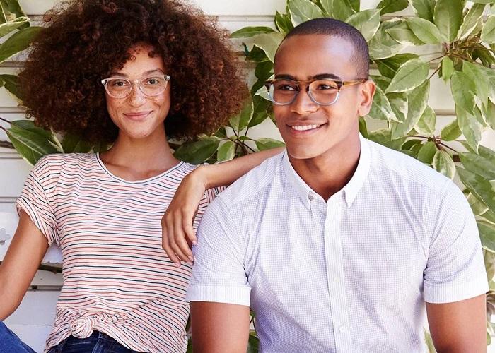 مدل عینک طبی تابستان امسال چه شکلیه؟