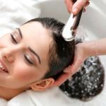 در منزل اسپری نرم کننده و ضد گره مو بسازید