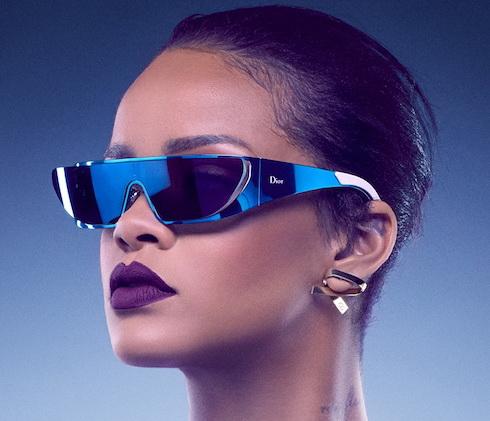 عینک آفتابی دیور بر چشم های ریحانا