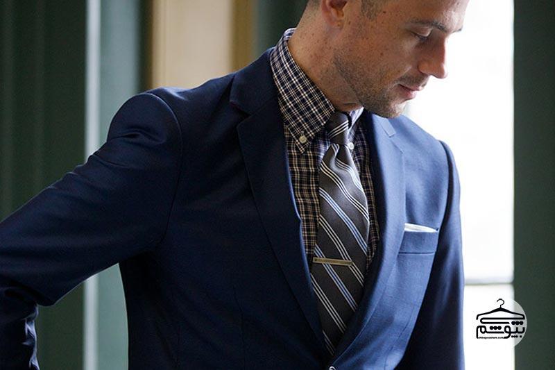 گیره کراوات کجا باید قرار بگیرد