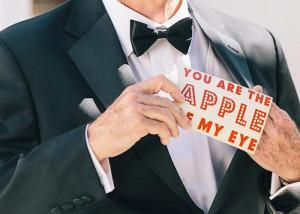 چگونه برای پدرمان کت شلوار مخصوص عروسی انتخاب کنیم؟