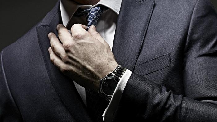 رعایت این ۵ نکته حین پوشیدن کت و شلوار الزامیست