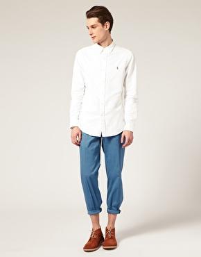 چگونه با پیراهن سفید تیپهای مختلف بزنم؟