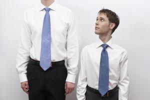 زنان و مردان قد کوتاه چگونه لباس بپوشند؟
