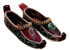 چاروق: پاپوش سنتی ایرانی