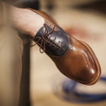 ۵ قانون خرید کفش چرم مردانه