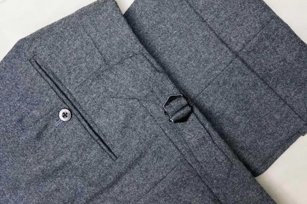 با شلوار خاکستری چی بپوشم؟