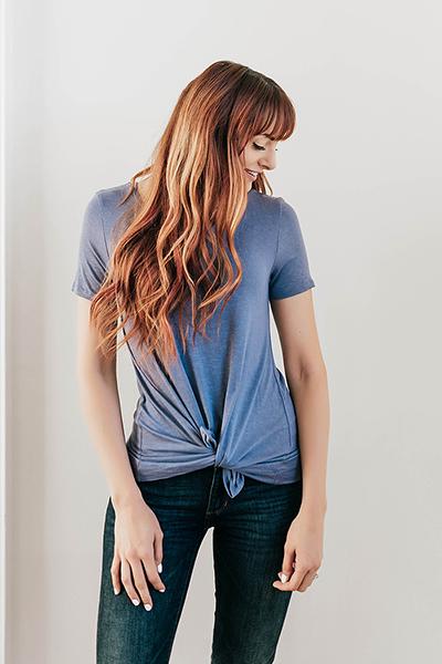 5 راه جالب برای پوشیدن تی شرت زنانه