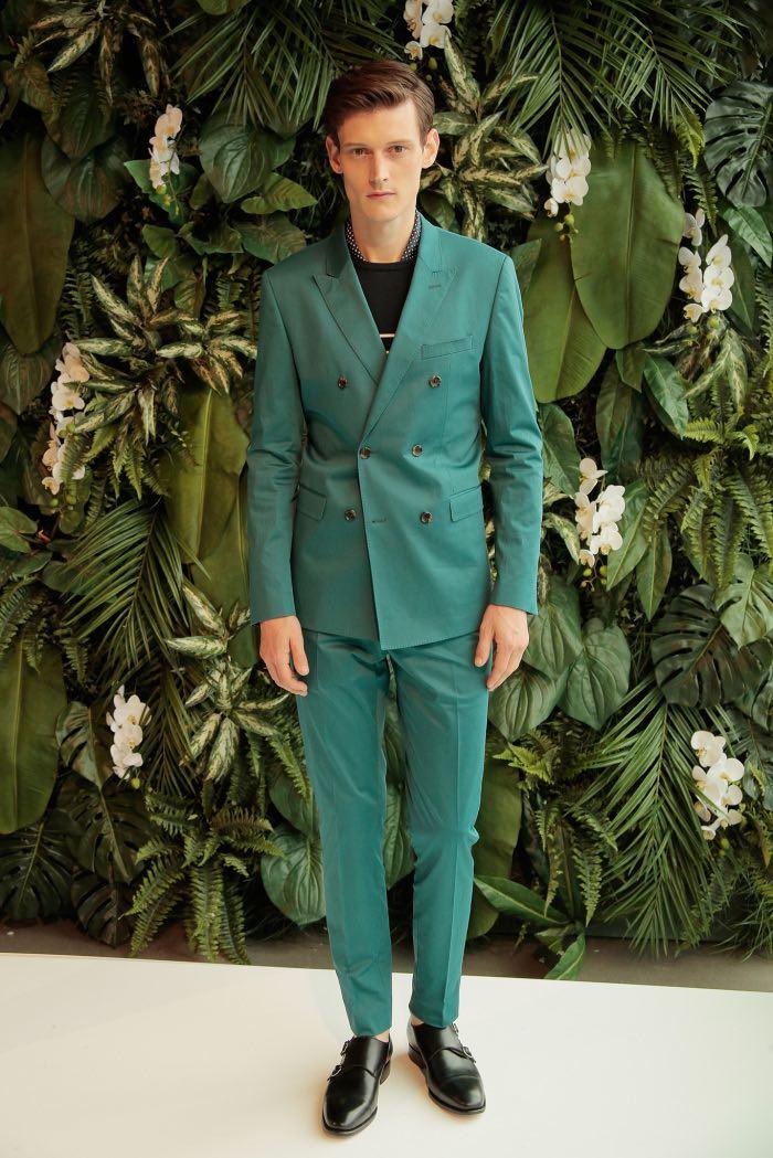 چگونه کت و شلوار سبز بپوشیم؟