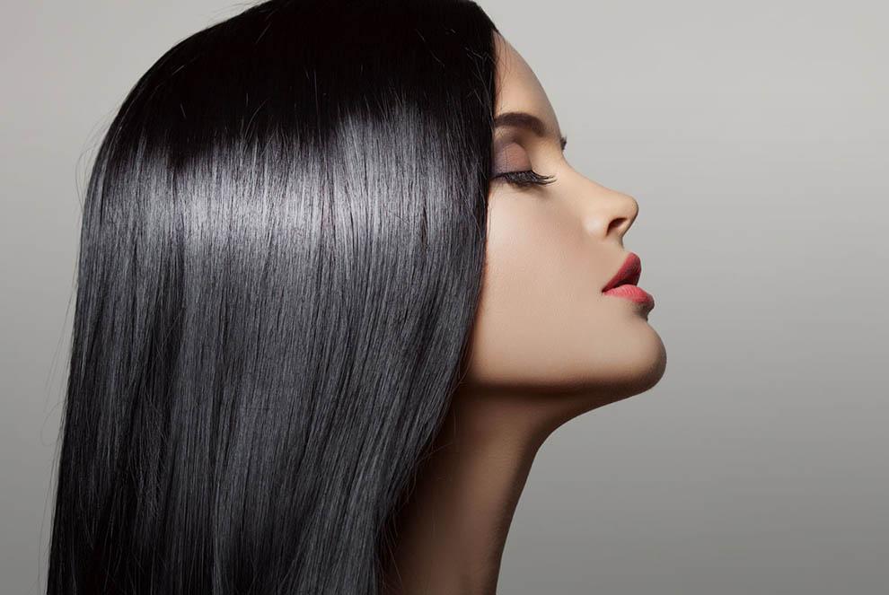 ۱۱ محصول ضروری برای سلامت و مراقبت موها