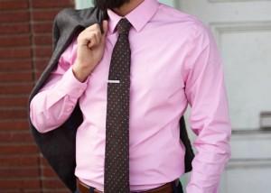 راه و روش پوشیدن پیراهن مردانه صورتی