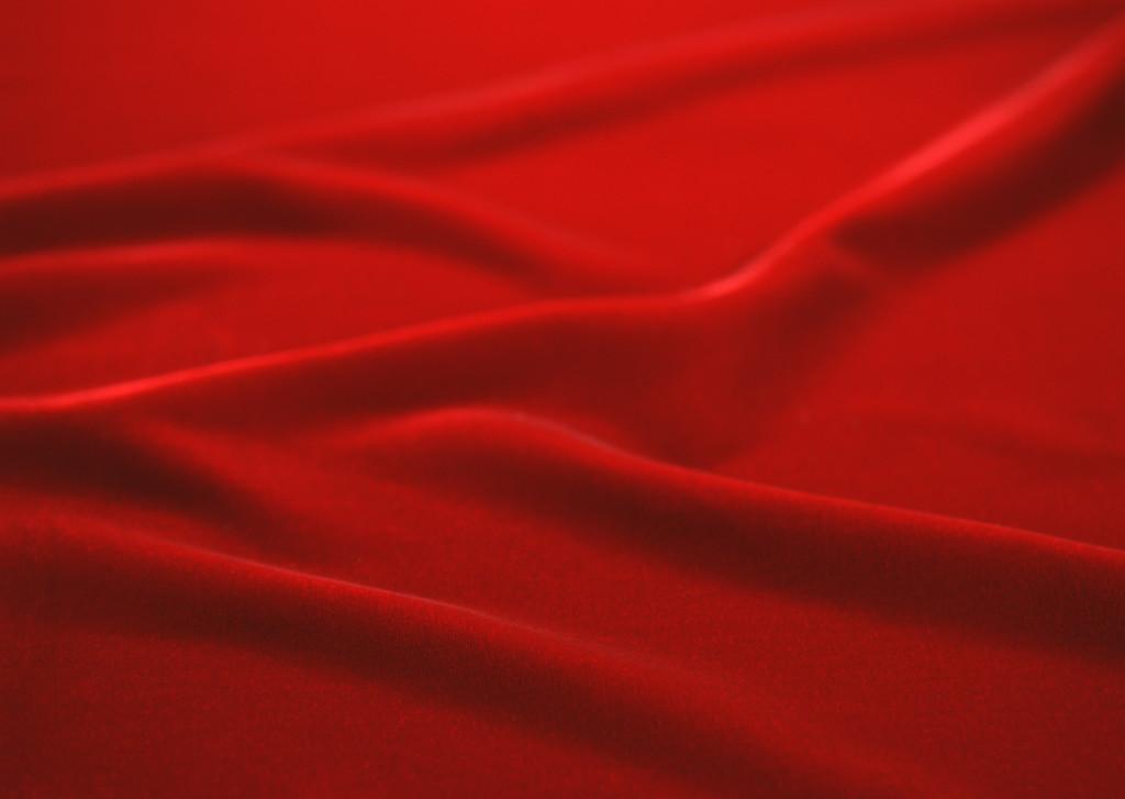 با قرمز چه رنگی بپوشید؟