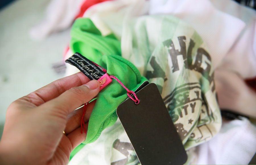 تثبیت رنگ لباس ها با این ۵ روش ساده