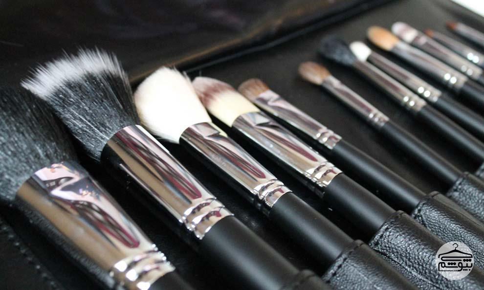 ۱۲ برس آرایشی ضروری و کاربرد هرکدام + پیشنهاد خرید