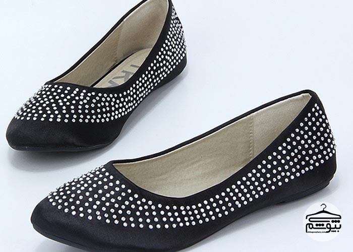 زیانهای کفشهای تخت زنانه