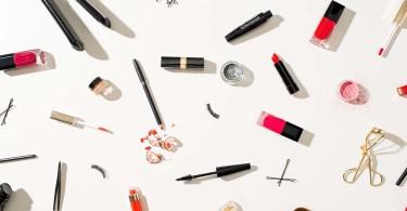 لوازم آرایش ضروری برای خانمهای تنبل